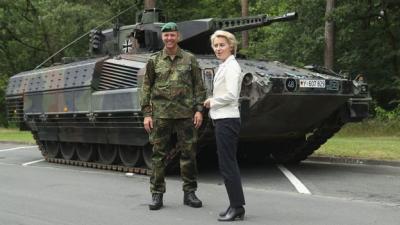 """ევროპის """"იმპერატრიცა"""" - გინეკოლოგი თავდაცვის მინისტრი და პირველი ქალი ევროკომისიის საჭესთან"""
